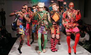 800px-Slava_Zaitsev_fashion_show-2